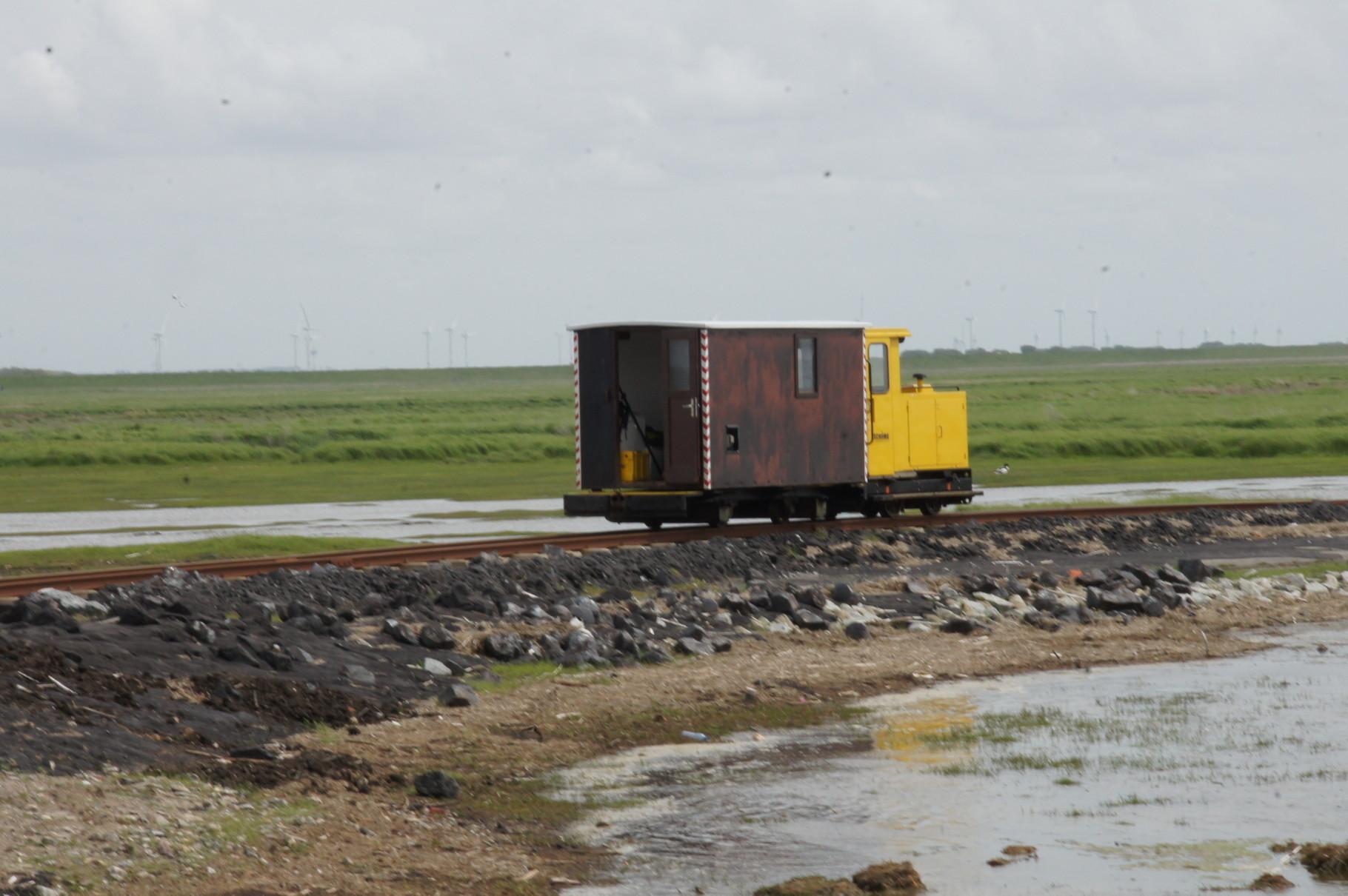 Auch eine Art Eisenbahn. Die Lore auf die Halligen Oland und Langeness.
