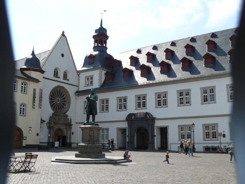 Koblenz; auf dem Rathausplatz 1