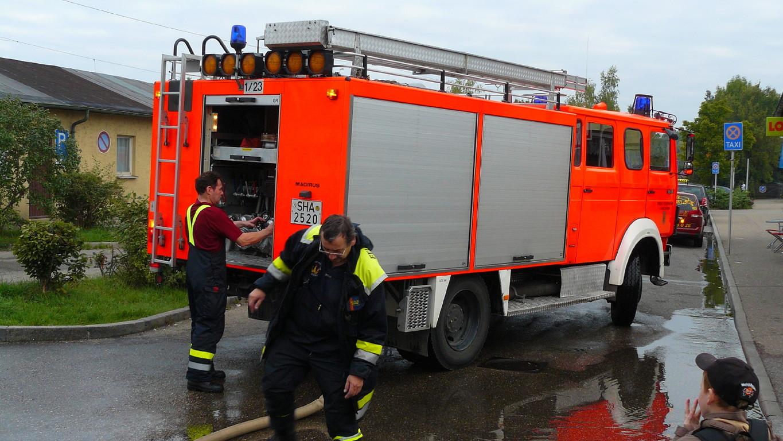 Für das Wasser sorgt die freiwillige Feuerwehr.