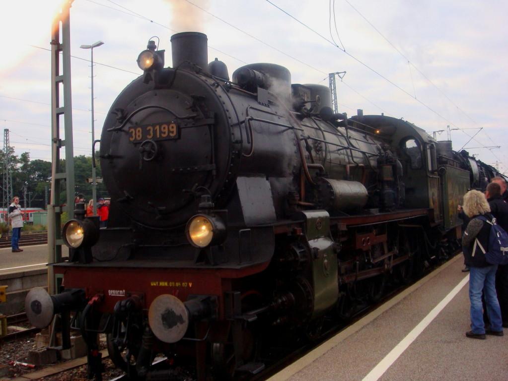 In Crailsheim wurde die 38 3199 vorgespannt. Eine wunderschöne Lok.