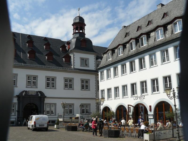 Koblenz; auf dem Rathausplatz 2