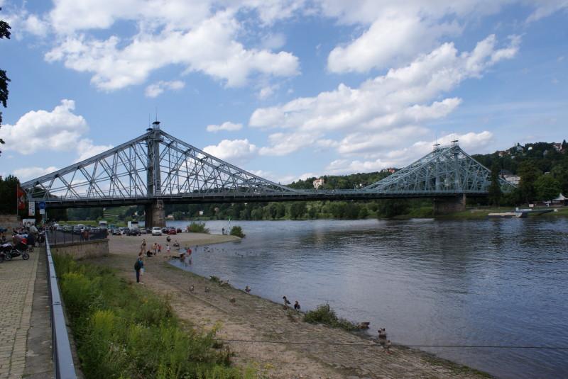 """Das """"Blaue Wunder"""" (Loschwitzer Brücke) am Tag...."""