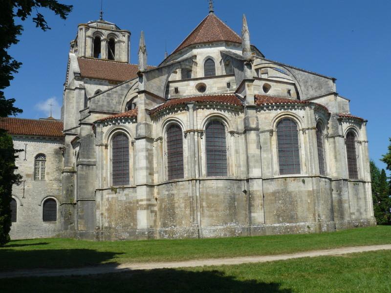 Die Basilika Sainte Madeleine von Vézelay; Rückansicht