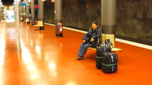 In der klinisch sauberen Station des Arlanda-Express,....