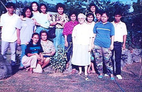 Gruppenbild mit einer der Schwestern