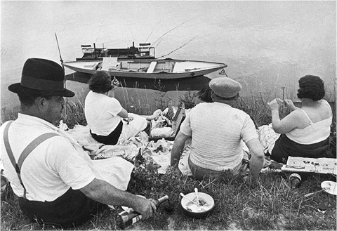 Henri Cartier-Bresson - On the Banks of the Marne, 1938