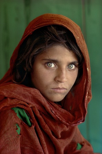 Steve McCurry - Ragazza afgana, 1985