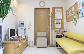 江別市の川島治療院(川島はりきゅう整骨院)の待合室にはウォーターサーバーもご用意