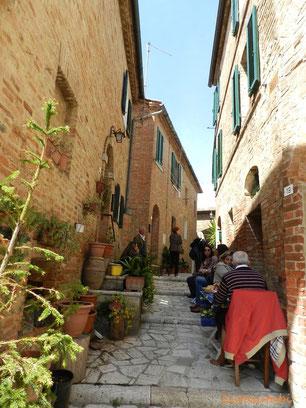 トスカーナ修道院めぐり モンテオリベートマッジョーレ修道院