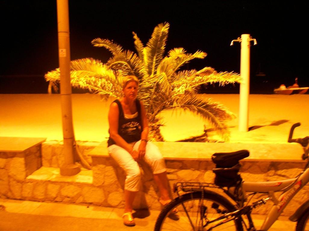 Strandpromenate von San Vito la Capo bei Nacht