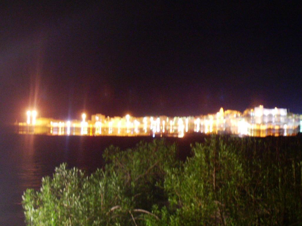 Vieste bei Nacht, gesehen vom CP aus.