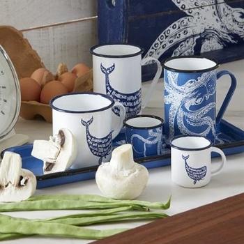 Trinkbecher und Tassen aus Emaille, Porzellan und Keramik