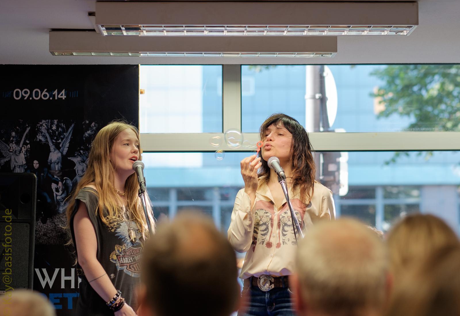 Michelle-Records, Hamburg - Marianne Dissard (2014)