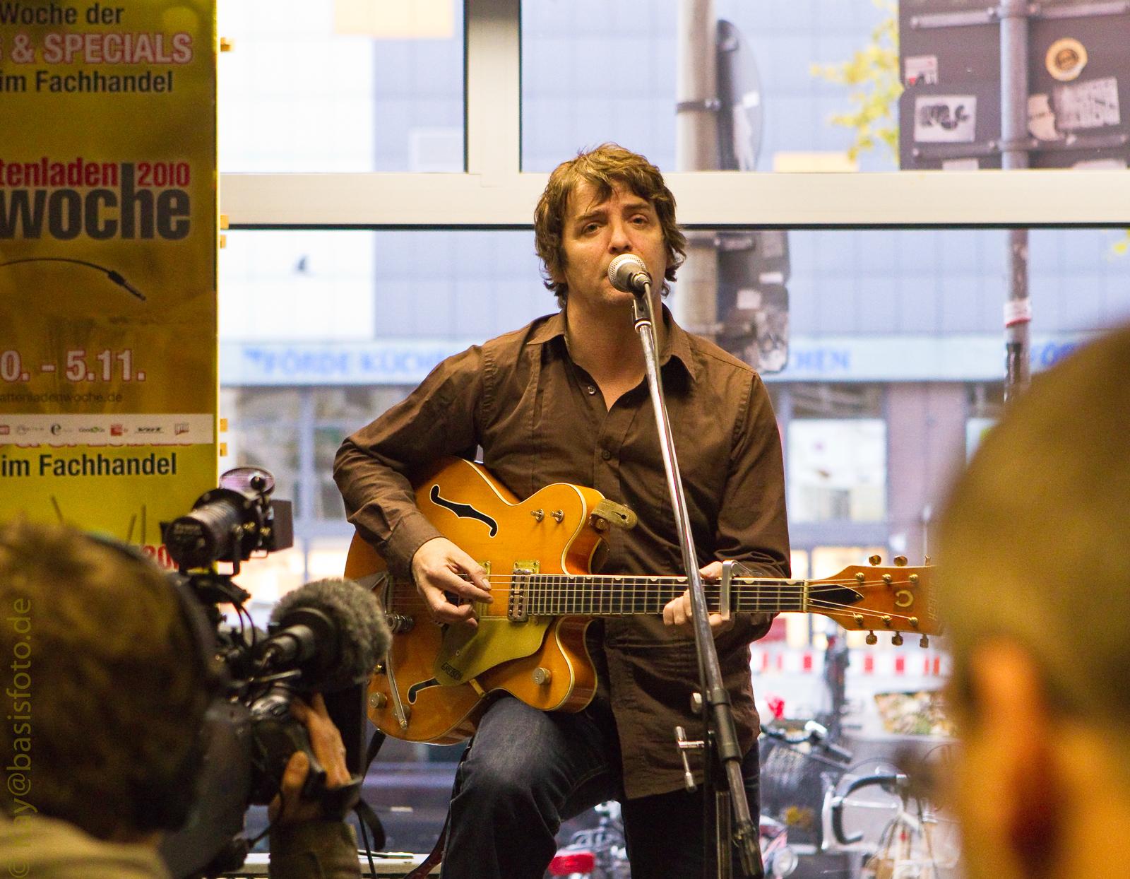 "Michelle-Records, Hamburg - John Bramwell (""I Am Kloot"")( 2010)"