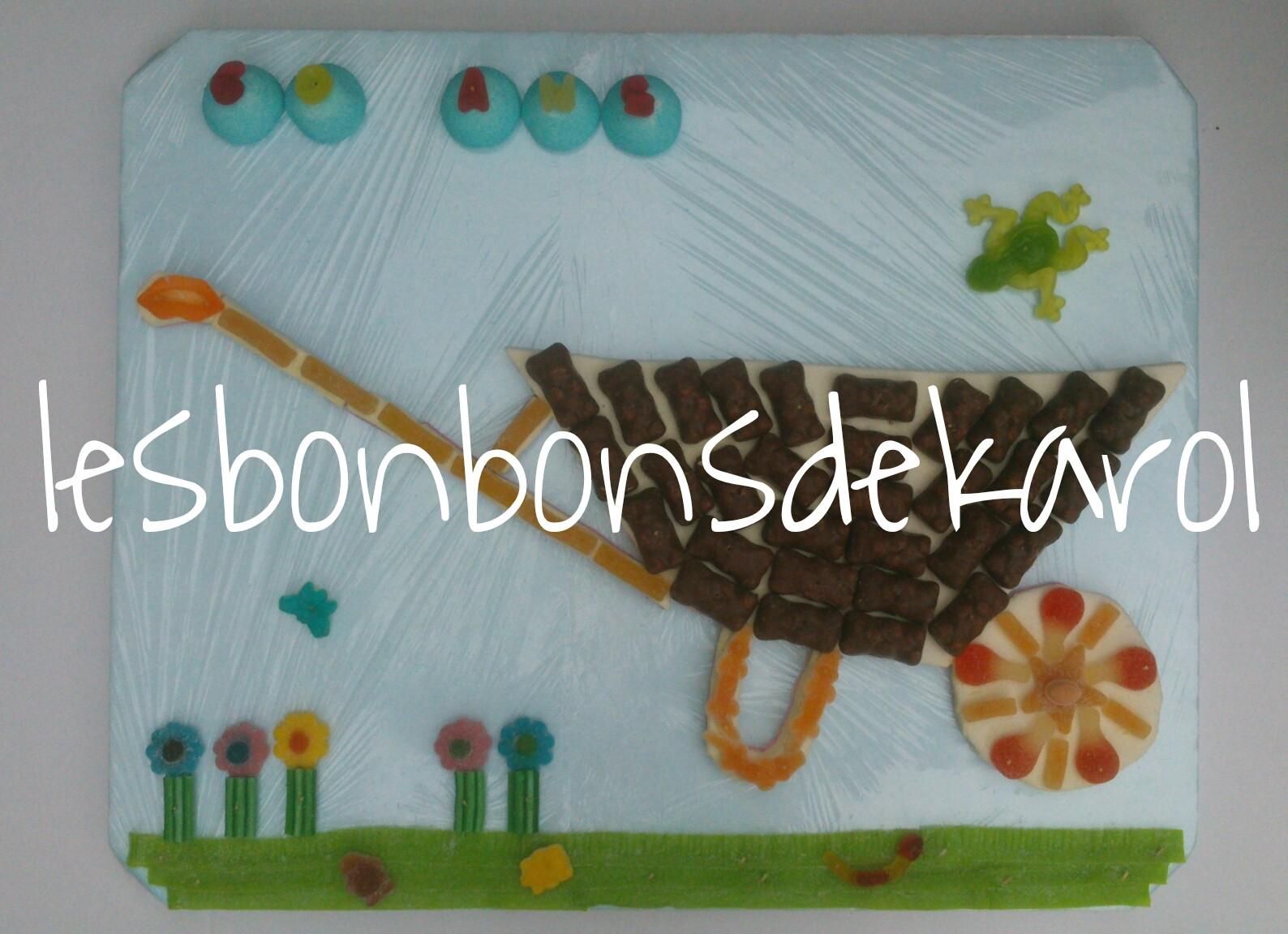 BROUETTE 38 € (61x50 cm - 976 gr et 86 bonbons + plaque lard/guimauve)