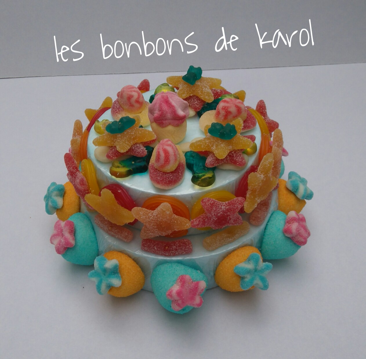 L'ETOILé 20 € (626 gr et 83 bonbons - diam. 26 ht 15 cm)