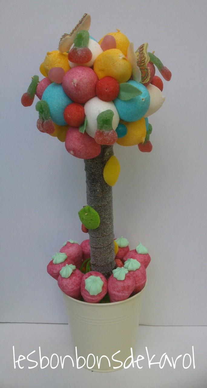 ARBRE (2ème version) 38 € (600 gr et 80 bonbons - ht 45 et diam 18 cm)