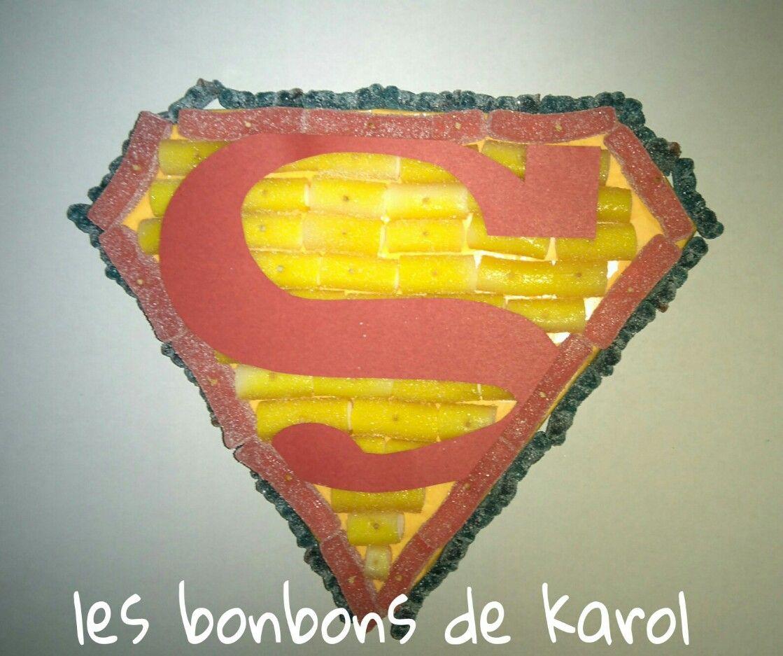 LOGO SUPERMAN 15 € (env. 328 gr et 76 bonbons - 24 x 20 cm)