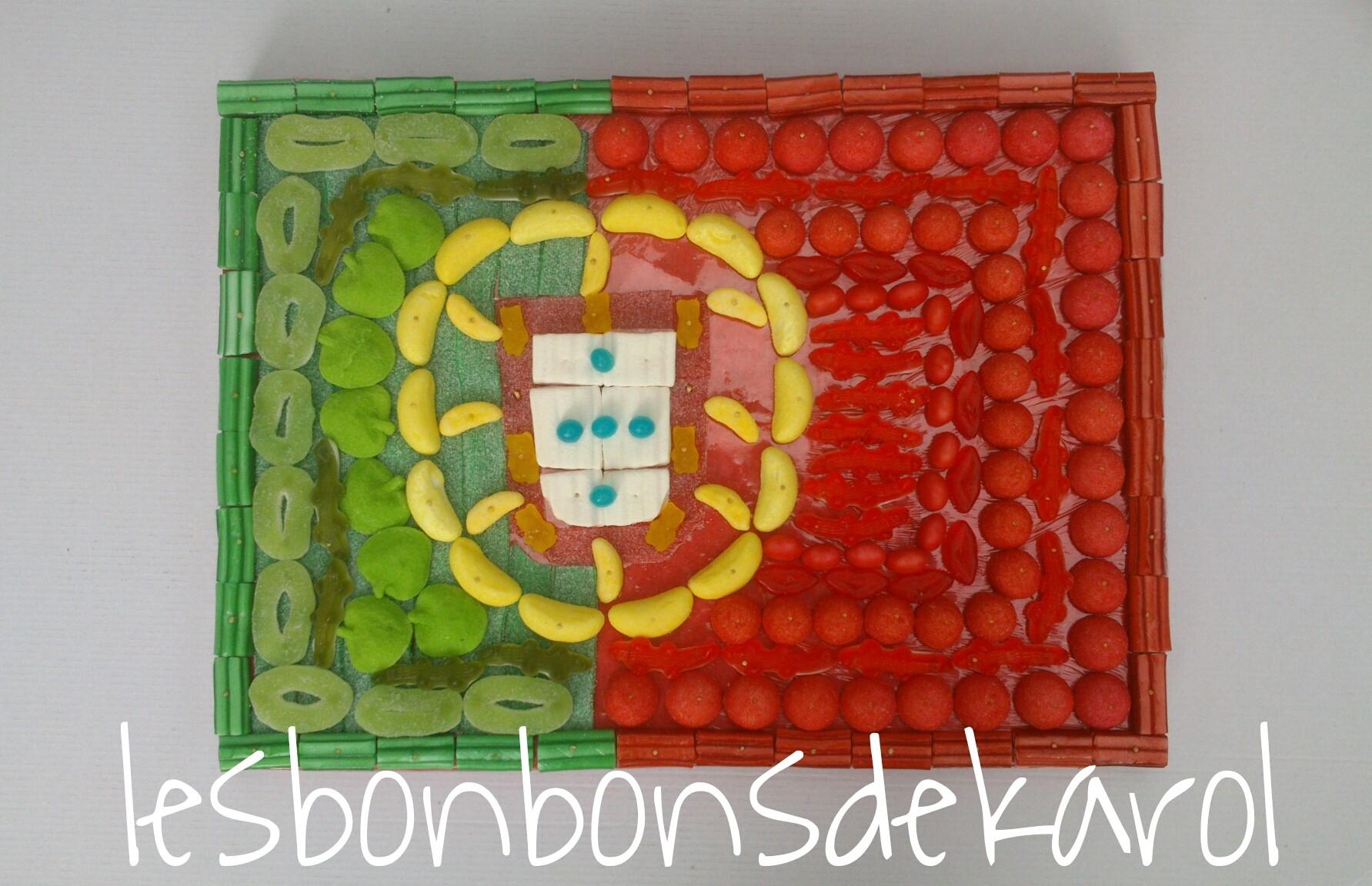 DRAPEAU PORTUGAL 32 € (870 gr et 194 bonbons - plaque 40 x 30 cm)