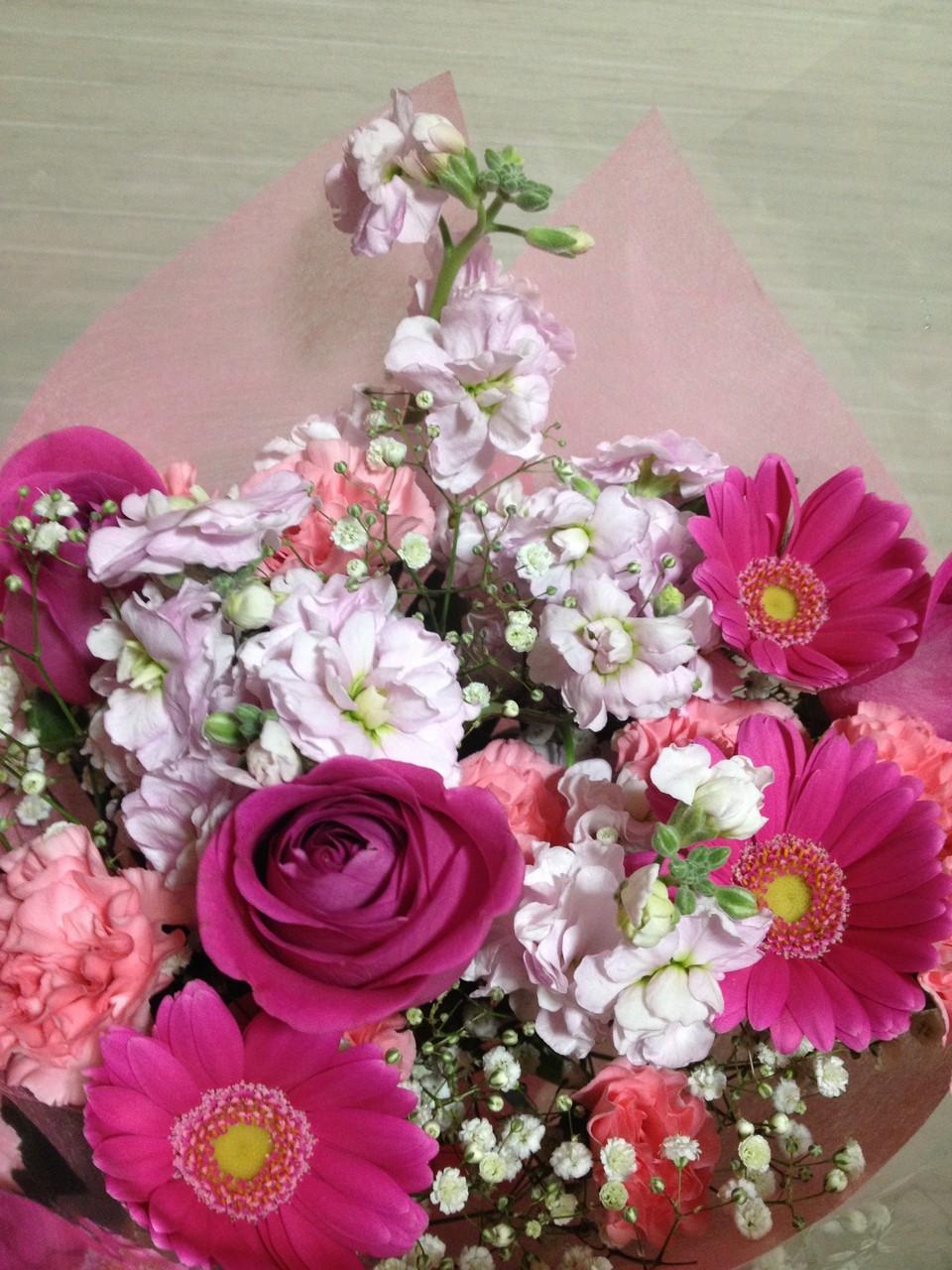 いただいたお花やプレゼント、ありがとうございました。