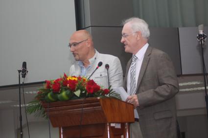 Herr Lauck und Herr Dr.Schrimpf, Deutsche Schule Shanghai
