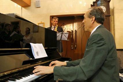 Martin Drechsler am Klavier und Michele am Saxofon