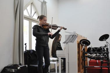 Anne Mehrländer und Eva Töpper sorgten für den musikalischen Rahmen.