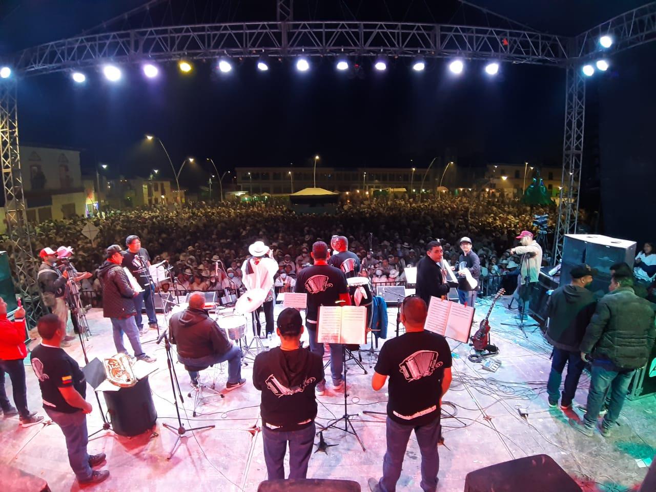 Armando Hernández y su Combo en Pupiales Nariño 06 enero 2020
