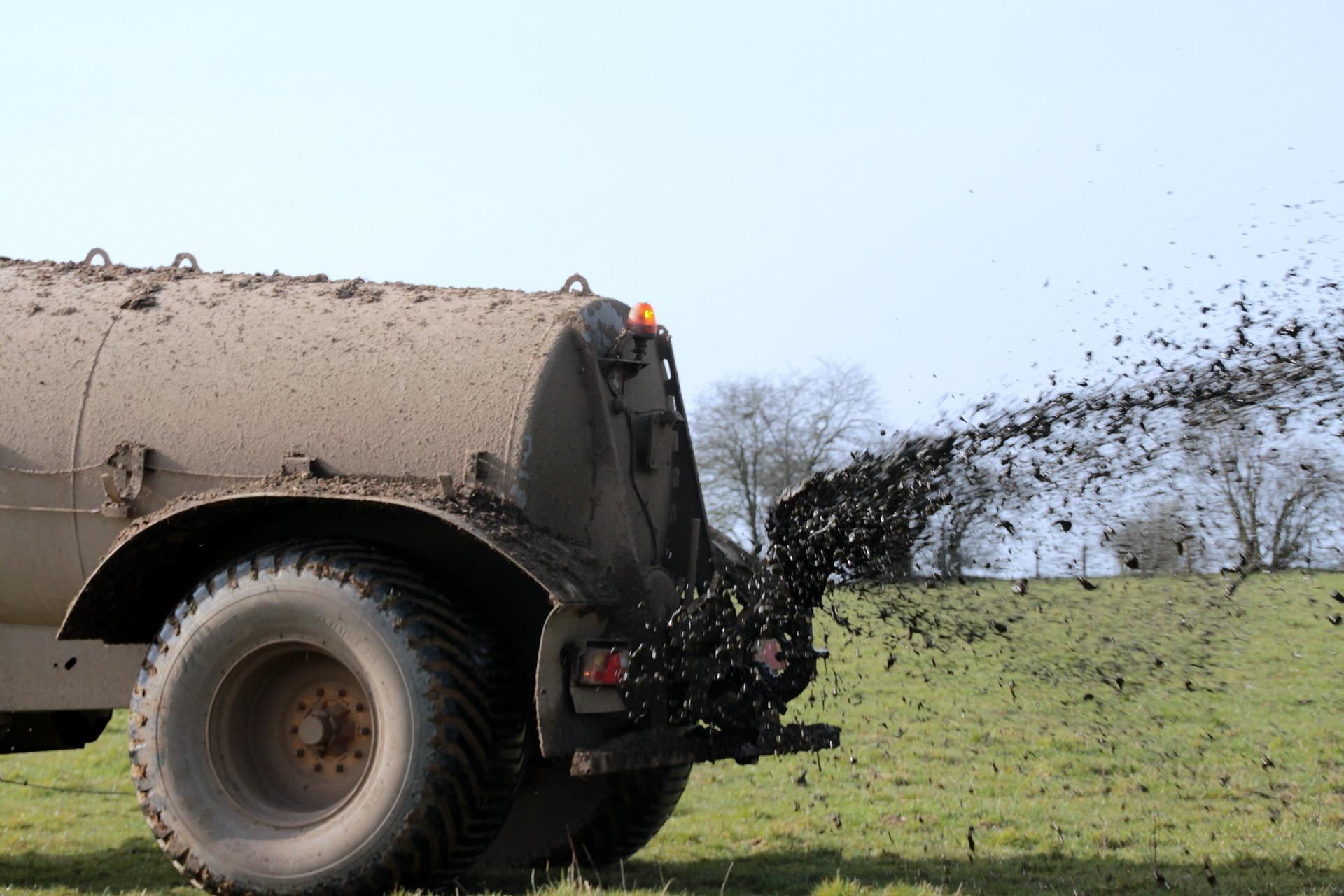 Düngemittel in der Landwirtschaft beeinträchtigen nach wie vor die Gewässerqualität in Deutschland.