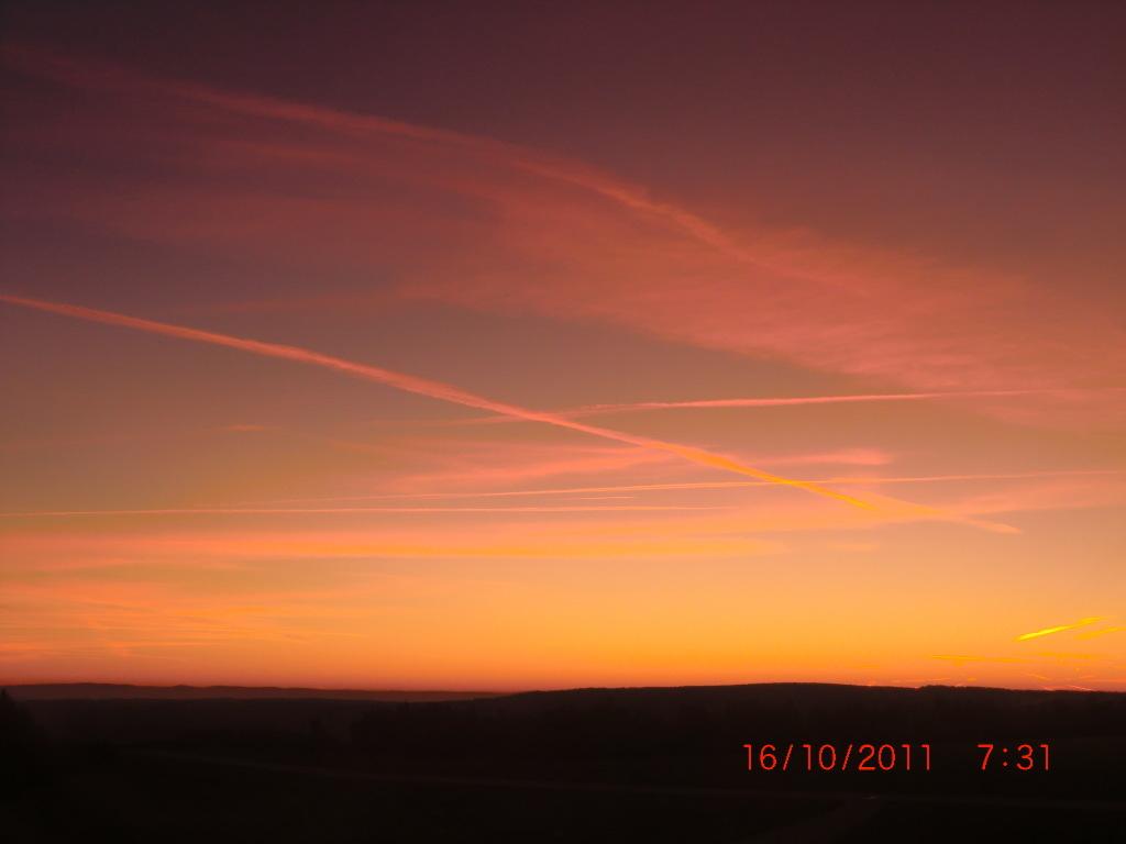 Sonnenaufgang auf der Wasserkuppe in der Rhön