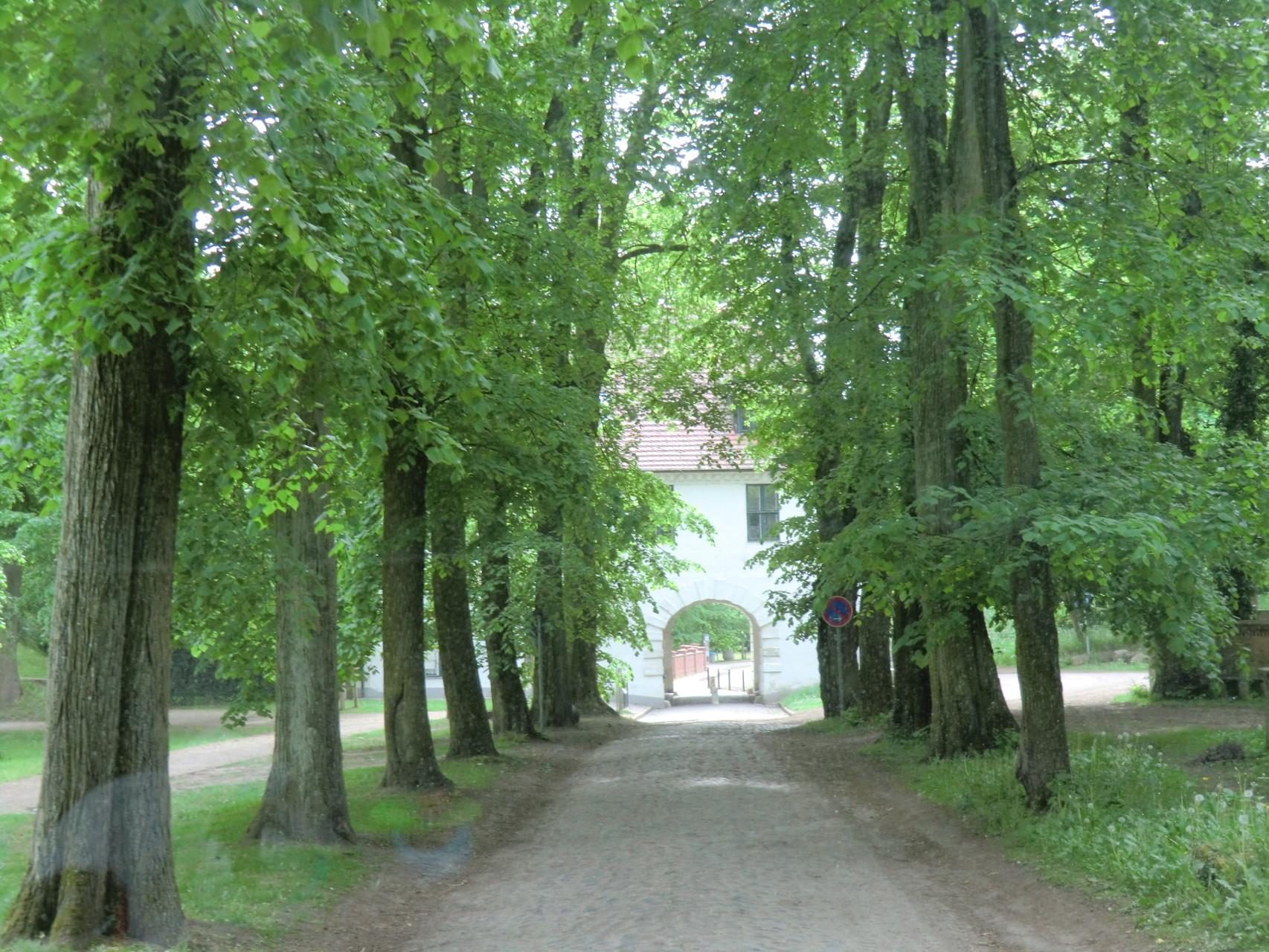 Zufahrt zum Stellplatz in Mirow