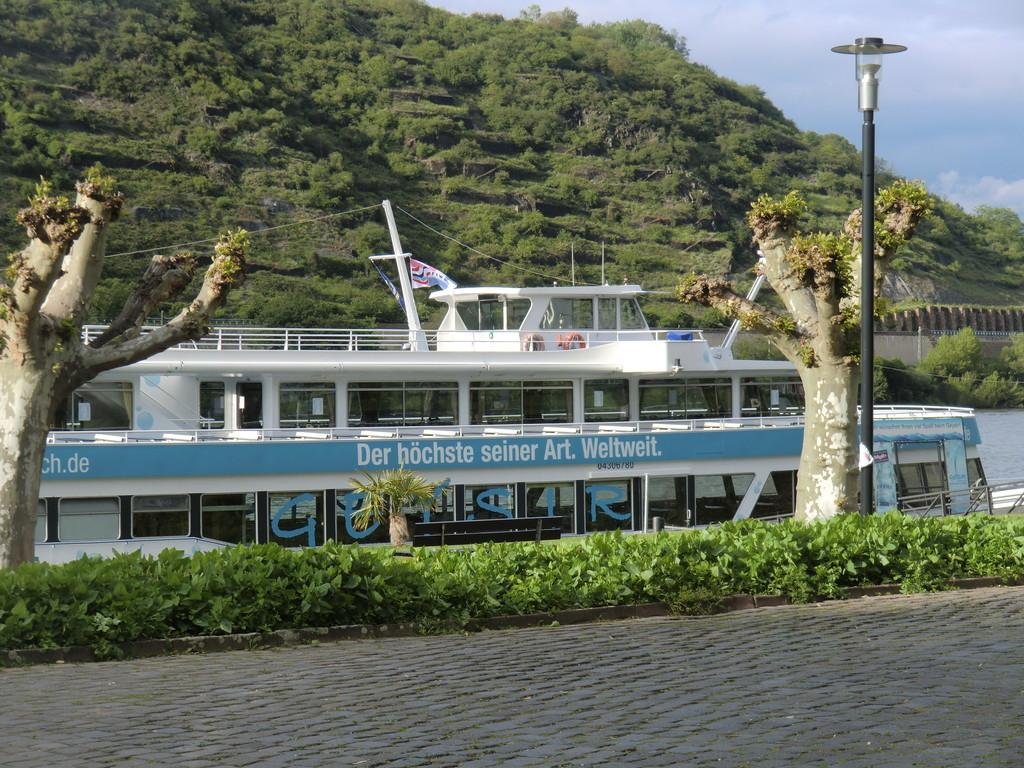 das Schiff zum Geysir