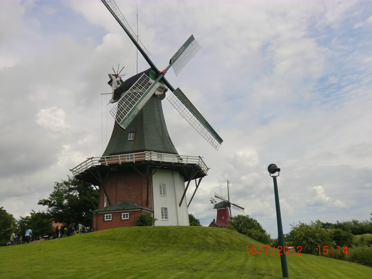Die Zwillingsmühlen, Wahrzeichen von Greetsiel