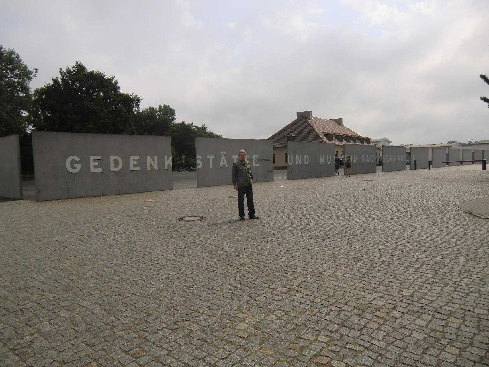Eingang zum KZ Sachsenhausen