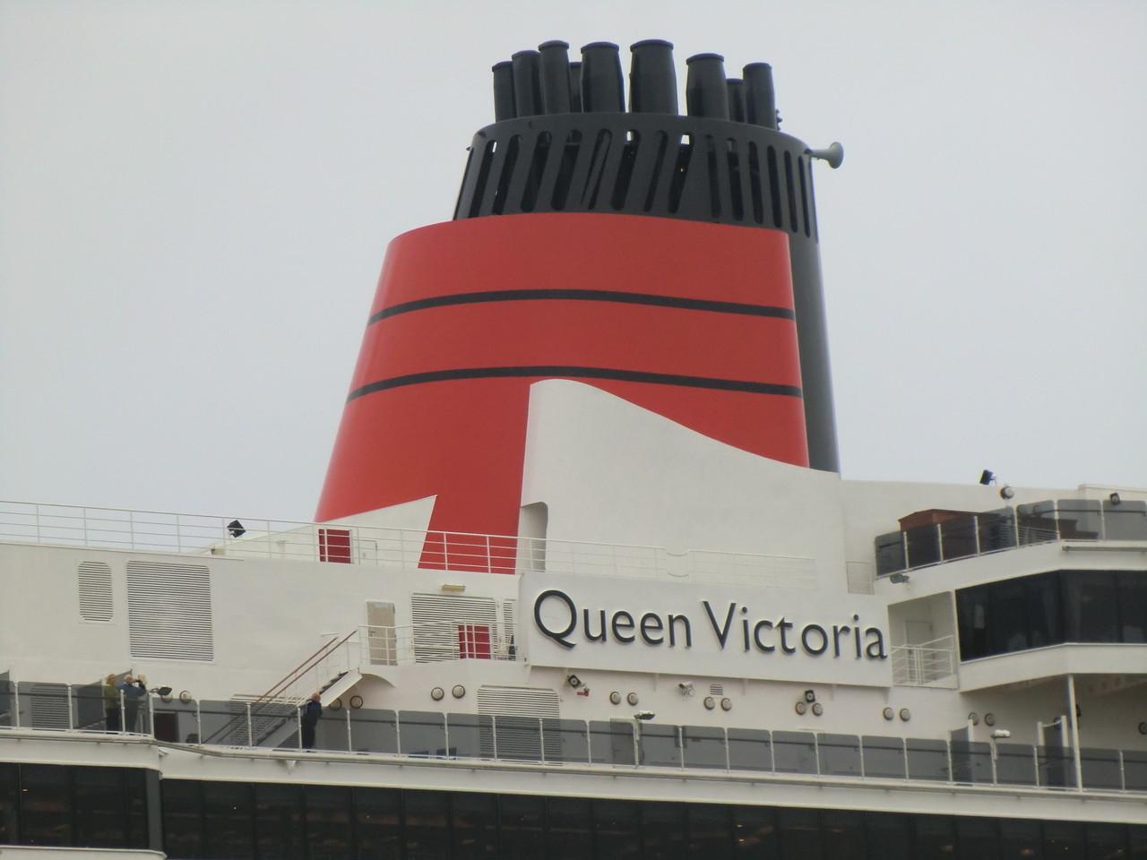 die Queen Victoria läuft ein