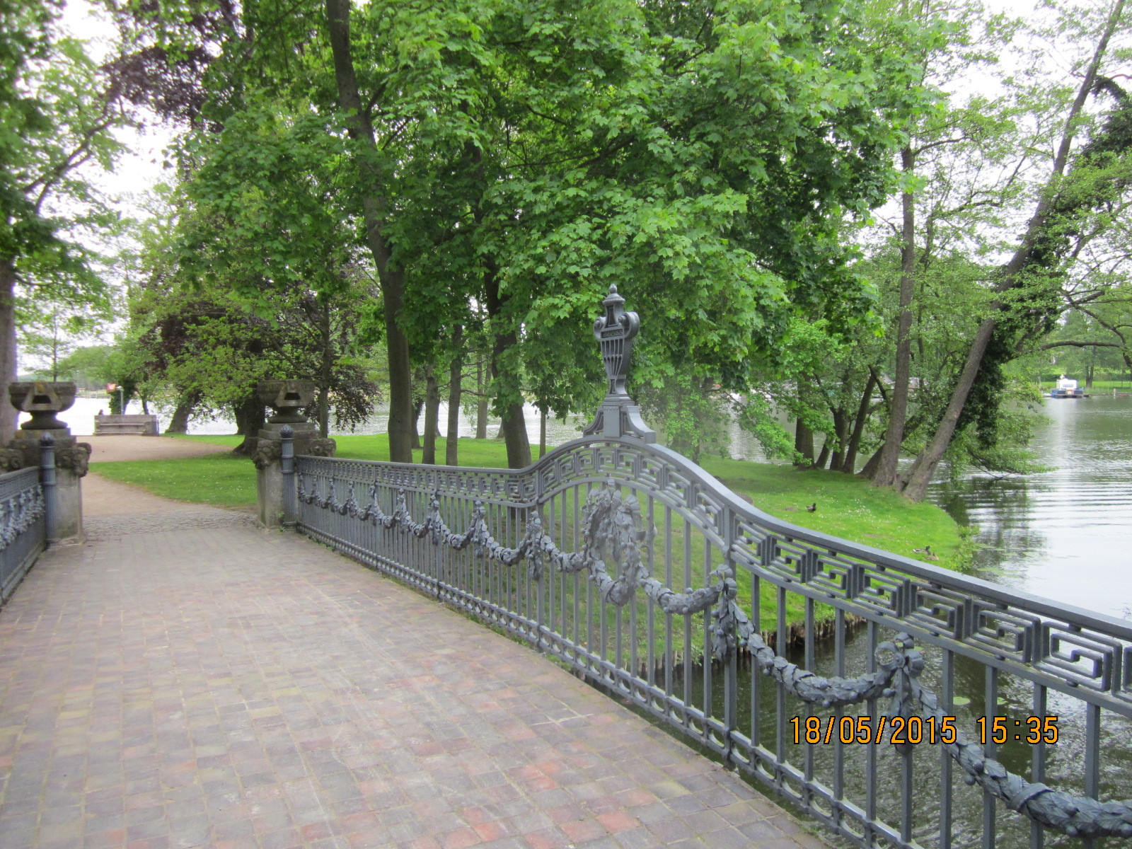 Die Brücke zur Liebesinsel