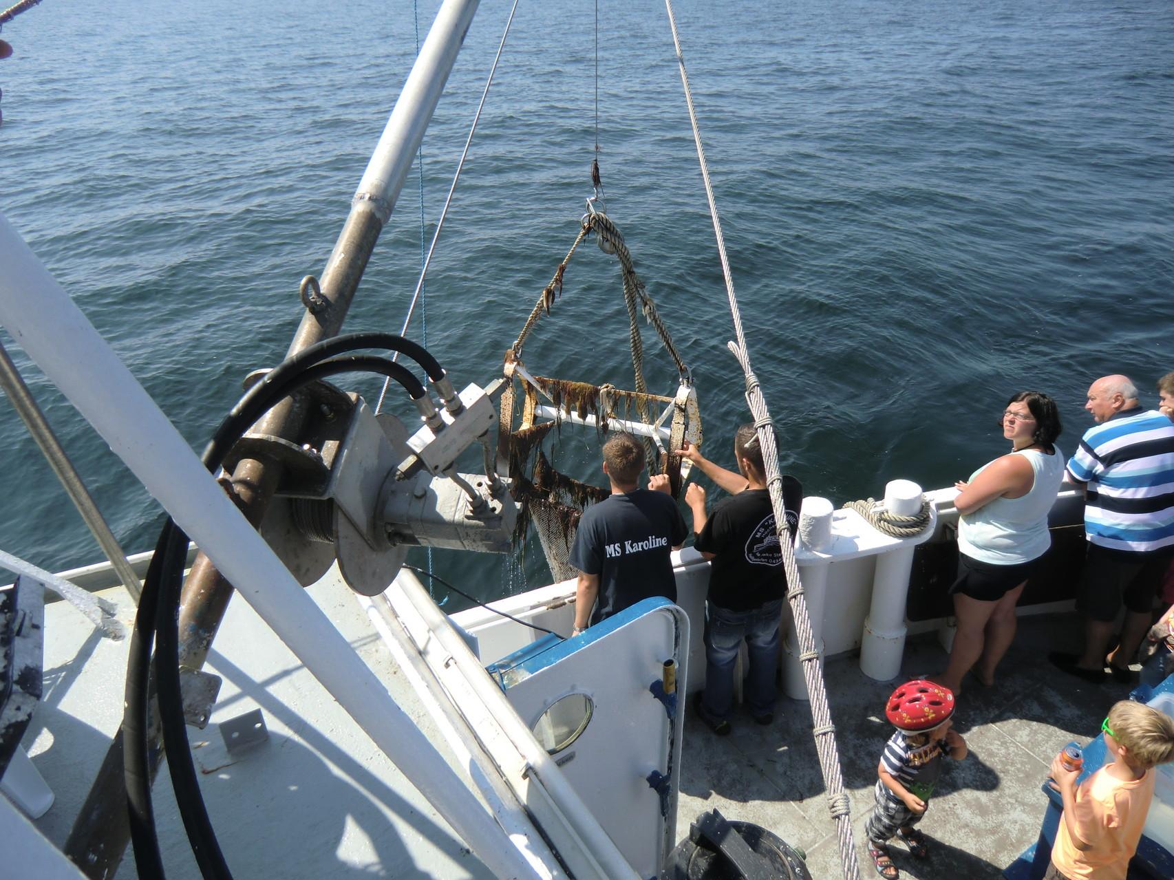 Fischernetz wird gehoben