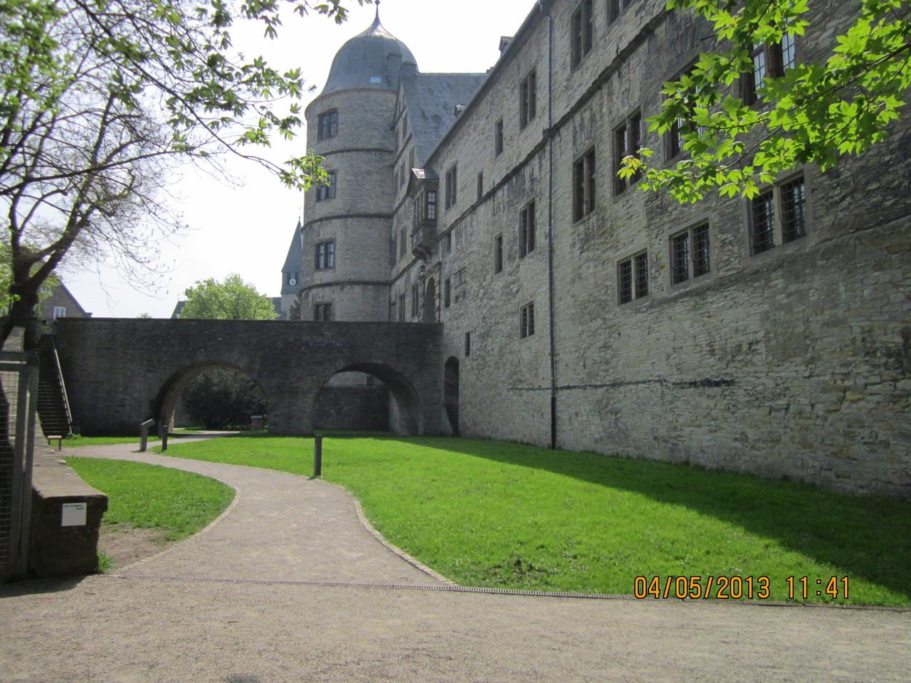 Burg von hinten
