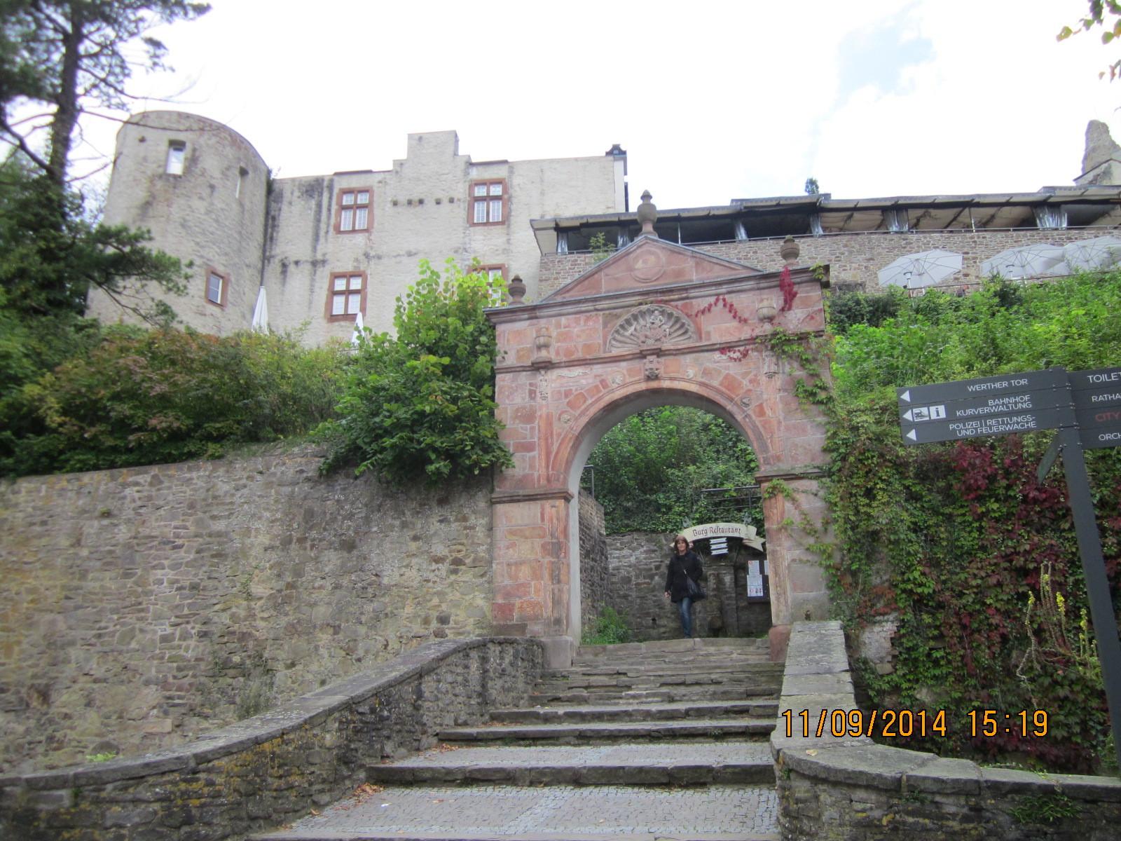 Aufgang zur Burganlage