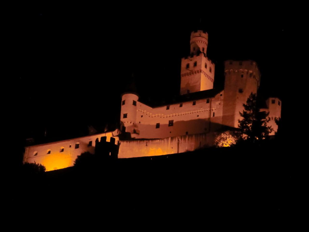 Marksburg bei Nacht