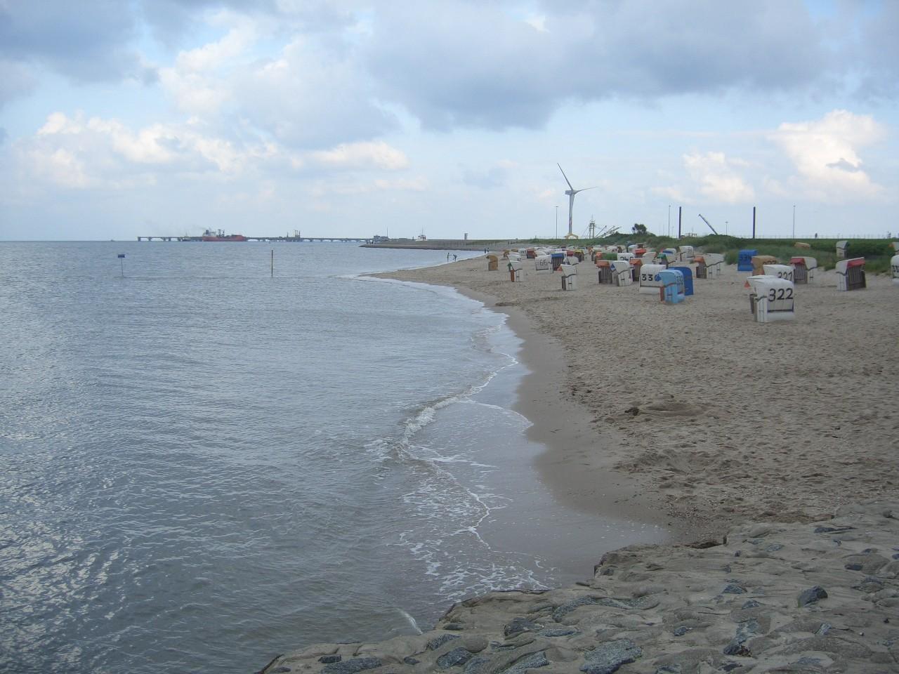 Strand in einiger Entfernung vom Platz