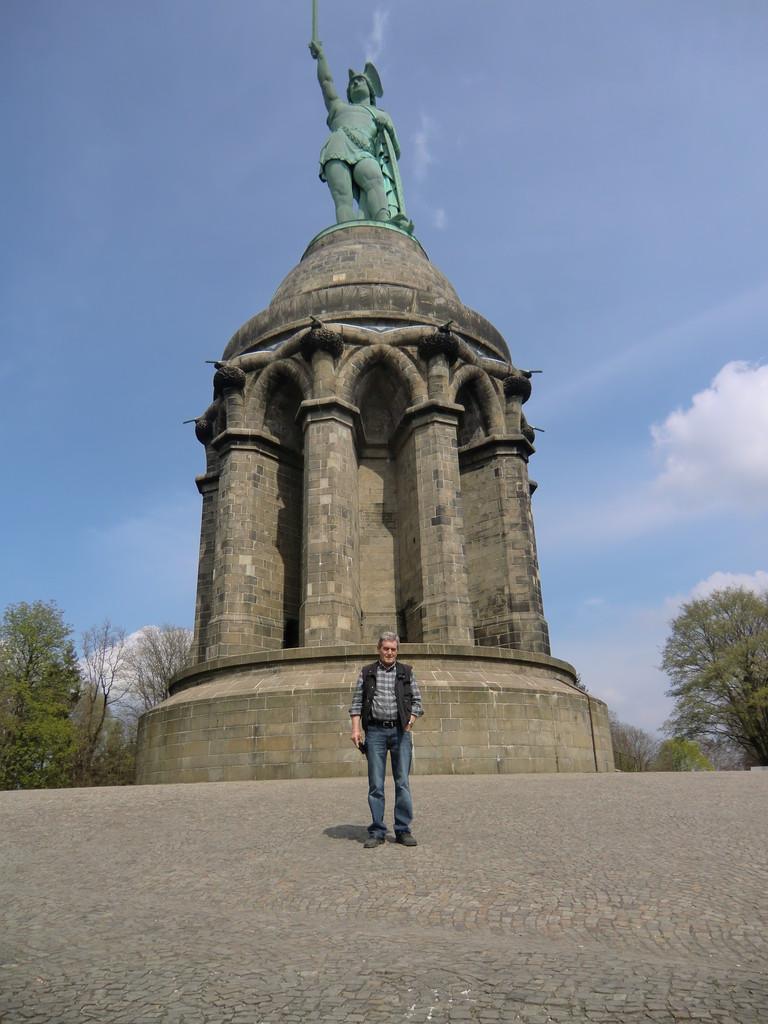 der Besucher des Denkmals