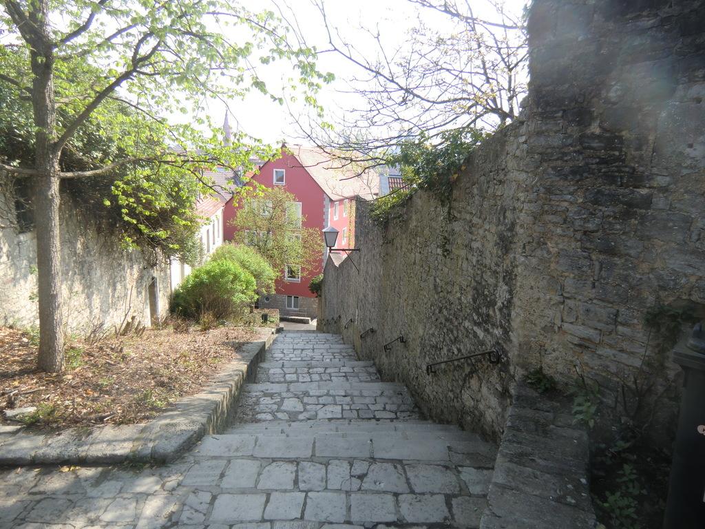 steiler Aufstieg zur Festung Marienberg
