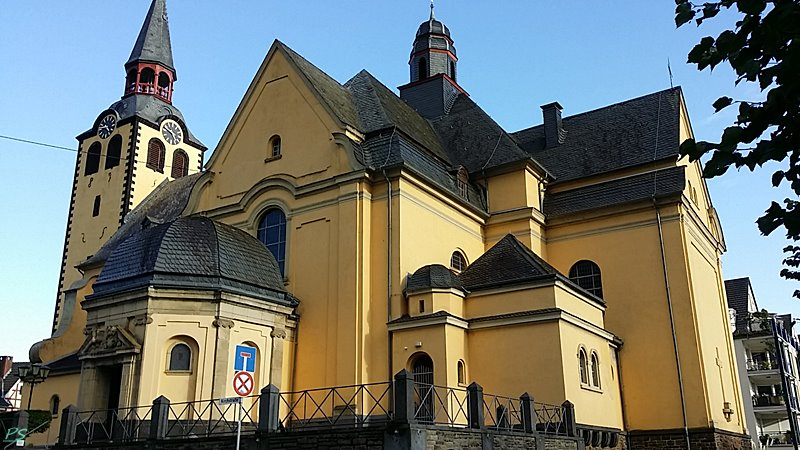St. Peter und Paul Kirche Hönningen