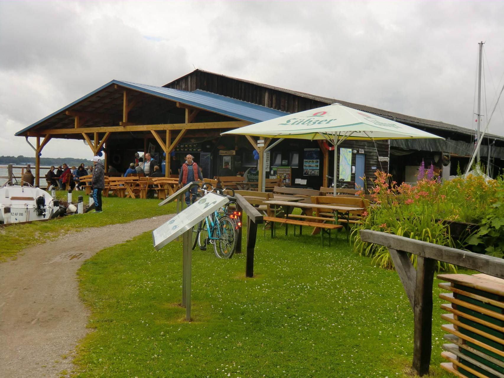 Fischerei und Imbiss in Waren