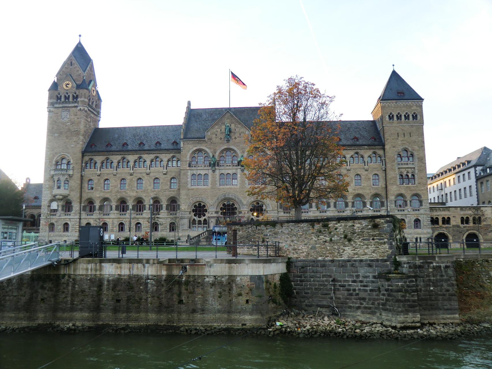 Ehemaliges preußisches Regierungsgebäude