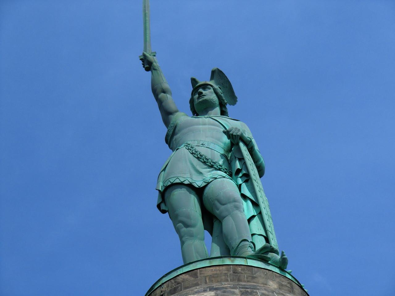 Hermann in voller Größe