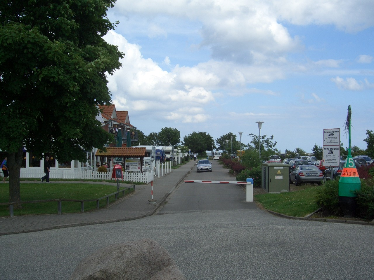 Einfahrt zum Womo-Stellplatz