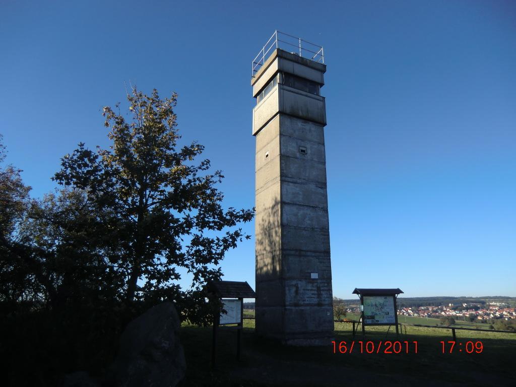 Ein Grenzturm als Grenzmahnmal
