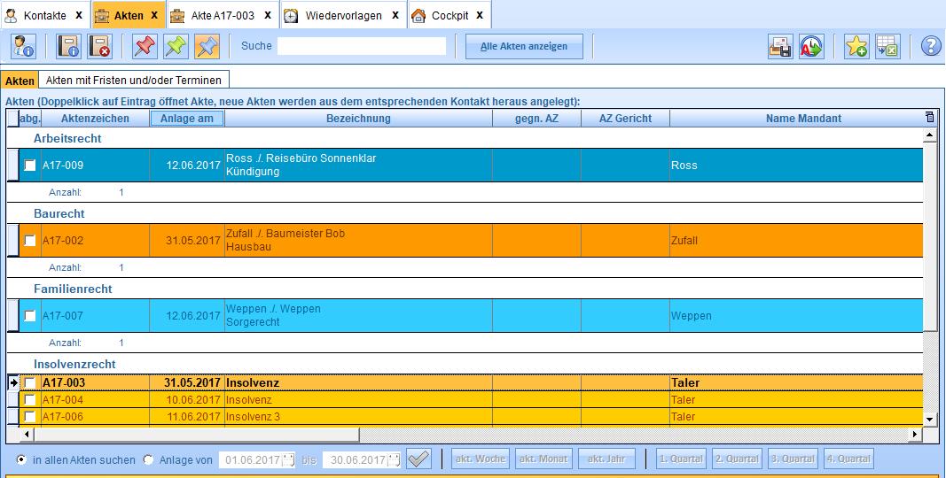 Übersicht über die Akten mit Such- und Filtermöglichkeiten. Die Farbgebung ist optional.